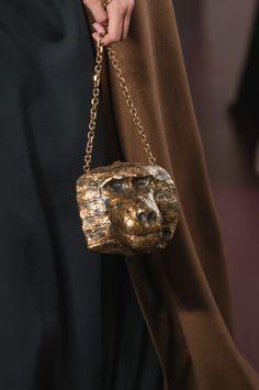 b9a4003796 Haute Couture, Accessoires Haute Couture, Haute Couture Valentino, Trousse  De Maquillage, Hermès