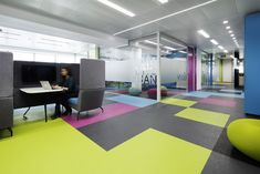 skyscanner-office-design-21
