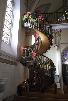 Miraculous Staircase - Wooworking - Carpentry