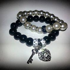 Bijoux #bracelet #blackandwhite #braceletcollection #byme #black #instabeauty #instabuy  #instafashion #instashopping #picoftheday #perle #pretty  #musthave Per info&costi  mylovelycreation@libero.it
