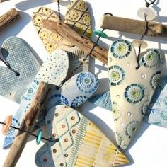 Shirley Vauvelle driftwood heart hangers - click to view