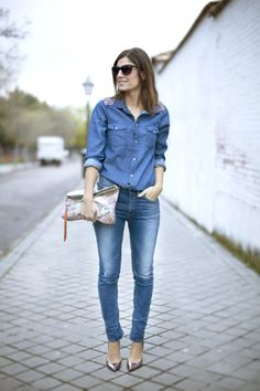 Total denim. vaquero total. Street style outfits. Looks de street style. Fashion Blogger.