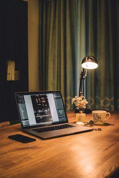 Macbook Pro Keyboard, Macbook Pro 15 Inch, Macbook Pro Retina, Apple Laptop, Apple Macbook Pro, Vagas Home Office, Best Speakers, Best Laptops, Desk Setup