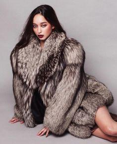 Dana Slosar :: All things Next Top Model Diva Fashion, Fur Fashion, Womens Fashion, Fashion Guide, Fox Fur Coat, Fur Coats, Fur Clothing, Next Top Model, Fur Jacket