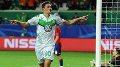 1. Tor für Wolfsburg! Draxler schießt Moskau ab -http://www.bild.de/sport/fussball/julian-draxler/zahlt-zurueck-42591802.bild.html