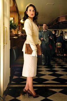 Adriana Ugarte as Sira Quiroga (El tiempo entre costuras). Costumes designed by Sabine Daigeler.