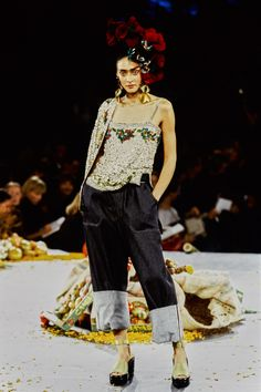 Jean Paul Gaultier Spring 1998 Ready-to-Wear Fashion Show Collection Couture Fashion, Runway Fashion, High Fashion, Steampunk Fashion, Gothic Fashion, Timeless Fashion, Vogue, 90s Fashion Overalls, Paul Gaultier Spring