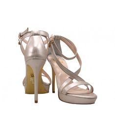 ba88a4f0ccd Οι 31 καλύτερες εικόνες του πίνακα Wedge Sandals   Luxury shoes ...