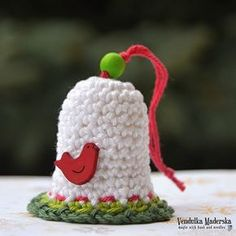 Crochet Christmas bell - free pattern by VendulkaM Crochet Snowman, Crochet Ornaments, Crochet Snowflakes, Crochet Crafts, Yarn Crafts, Crochet Projects, Free Crochet, Christmas Bells, Christmas Angels