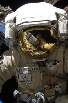 (16 Feb. 2011) —- Russian cosmonaut Oleg Skripochka, Expedition 26 flight engineer, wearing an Orlan-MK spacesuit, participates in a EVA focused on the installation of two scientific experiments outside the Zvezda Service Module of the International Space Station.  spaceflight.nasa.gov »