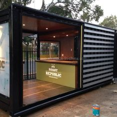 18 Ideas container house cafe coffee shop for China Light Steel Structure Prefab Shipping Container . Container Coffee Shop, Container House Price, Container Shop, Container Design, Container Homes, Cafe Shop Design, Kiosk Design, House Design, Mobile Restaurant