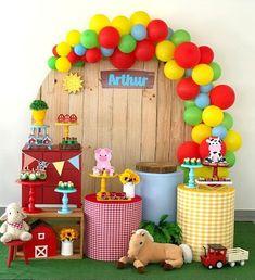 Horse Birthday Parties, Farm Animal Birthday, Tractor Birthday, Farm Birthday, Birthday Party Themes, Barnyard Party, Farm Party, Farm Theme, Birthday Decorations