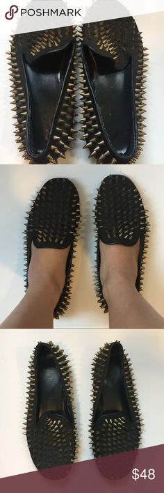 UNIF Hellraisers Black Leather Flats Gold Studs 8 Unif hellrasiers loafer flats size 8 (can fit a 7.5 too). Has only one stud missing on left foot near sole. Black leather with gold studs, still has a lot of wear left in these awesome shoes!! Very comfortable UNIF Shoes Flats & Loafers