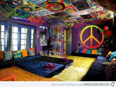 20 Multi-color Creative Bedroom Designs
