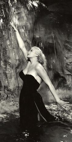 1960 La Dolche Vita Director: Federico Fellini IMDb 8.1 http://www.imdb.com/title/tt0053779/?ref_=fn_al_tt_1 | Anita Ekberg (Sylvia) (b1931; Malmö, Skåne län, Sweden)