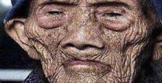 Selon un article du New York Times paru en 1930, Wu Chung-chieh, professeur émérite de l'université de Chengdu, a découvert des manuscrits du gouvernement impérial chinois en date de 1827 qui félicitent Li Ching-Yuen pour son 150ème anniversaire et d'autres documents attestent qu'il a aussi été félicité pour son 200ème anniversaire en 1877. En 1928, …