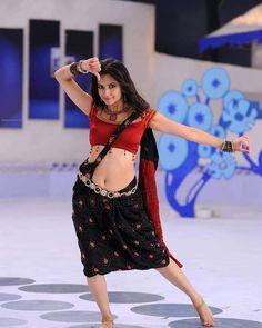 Kirti Kharbanda, Lace Skirt, Sequin Skirt, Thighs, Sequins, Bohemian, Actresses, Indian, Hot