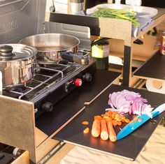 Take Your Cooking Camping With Scout Equipment Co's Overland Kitchen - camping expedition modify - Truck Camping, Camping Meals, Family Camping, Camping Hacks, Camping Solo, Family Cars, Camping Cooking, Beach Camping, Bus Camper