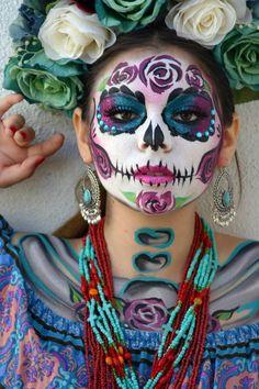 makeup sencillo Makeup simple catrina 21 I - makeup Sugar Skull Face Paint, Sugar Skull Makeup, Sugar Skull Art, Sugar Skulls, Face Painting Designs, Body Painting, Maquillaje Sugar Skull, Halloween Make Up, Day Of Dead