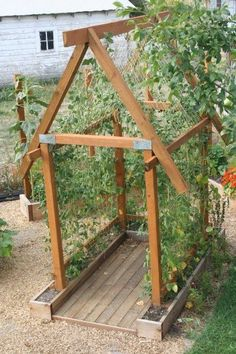 Potager Garden Awesome Vertical Garden Design Ideas 16 - Once you've designed your garden, pick the plants that you want to grow during each season. There's no better solution than to bring a vertical garden. While arranging a vertical garden… Garden Trellis, Garden Beds, Potager Garden, Bean Trellis, Tomato Trellis, Garden Plants, Cucumber Trellis, Garden Shade, Sun Plants