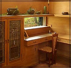 Prairie-school style writing nook - a built-in desk at the Purcell-Cutts house in Minneapolis.
