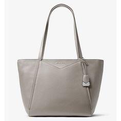 Velice oblíbená kabelka MICHAEL KORS WHITNEY Large Leather Tote Bag je vyrobena z oblázkové kůže v barvě Pearl Grey. Kovové doplňky ve stříbrném tónu podtrhují elegantní vzhled tohoto modelu. Uvnitř najdete karabinku na klíče. Large Leather Tote Bag, Michael Kors, Pearl Grey, Pearls, Beads, Gemstones, Pearl