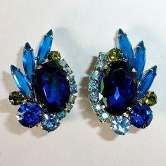 Juliana D&E Vivid Blue Watermelon Rhinestone Brooch & Earrings Set Vintage Costume Jewelry, Vintage Costumes, Vintage Jewelry, Rhinestone Jewelry, Jewelry Companies, Earring Set, Rhinestones, Jewelery, Blues