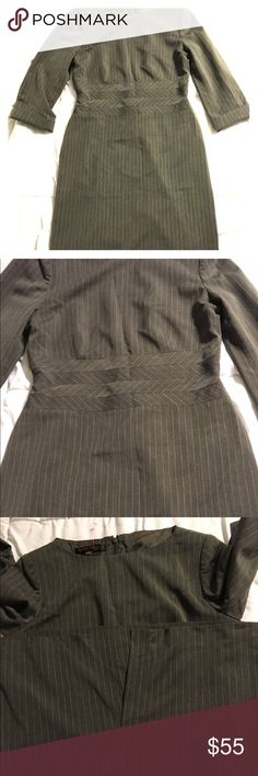 Anne Klein Pinstriped grey work wear dress Anne Klein women's sz 10 work wear Pinstriped grey dress . 3/4 sleeves that can be cuffed - has some stretch to give comfort for all day wear - Anne Klein Dresses Midi