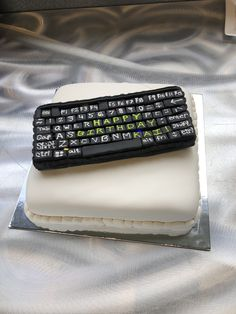 Computer keyboard cake