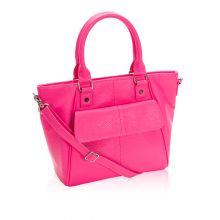 Mini Diamond District will be available ONLY in February 2015! Shown here in Candy Pink. As Thirty-One's February customer special, this bag will be 50% off with a $35 purchase ONLY in February 2015! http://www.heatherwamble.com