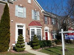 Updated Cross Creek Club brick front townhouse in GREAT condition. Slider added to rear to deck  updated granite stainless kitchen with center island Brazilian hardwood in kitchen Sunny living room and family room with 12 ceilings master bedroom with soaking tub and basement with professional Media room. This is a must see wont last