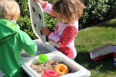 DIY Kindergrill - Outdoor-Kinderküche - Matschküche - DIY Spielküche  - outdoor - play kitchen - Ikea Trofast Box - sticker - kids kitchen - IKEA HACK - kids barbecue - mud kitchen www.limmaland.com