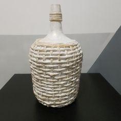 Glass Bottle Crafts, Wine Bottle Art, Diy Bottle, Glass Bottles, Jute Crafts, Paper Crafts, Acrylic Painting Inspiration, Book Page Crafts, Decoupage Furniture