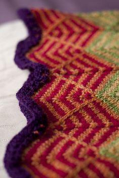 <3 Stardust Infinity Scarf pattern by Helen Stewart