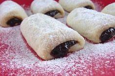 Ez a csodás sütemény roppant egyszerű és igazán kevés alapanyagból összeállítható, tojást sem tartalmaz. Kissé hasonlít a hájas süteményre, de nincs vele macera. My Recipes, Gourmet Recipes, Cake Recipes, Cooking Recipes, Recipies, Hungarian Desserts, Hungarian Recipes, Hungarian Food, Sweet Cookies