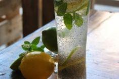 Es ist ziemlich normal sich zu fragen, wie es möglich ist, Gewicht zu verlieren, indem man eine Mischung trinkt, die nur Chia-Wasser und Zitrone enthält. Aber es ist okay, denn in diesem Artikel we…