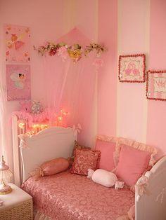 Una habitación con princesas y hadas