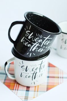 "DIY ""Sweater Weather"" Mugs - The Pretty Life Girls #cricut #silhouette #cuttingmachine #vinylcrafts #vinylprojects #diymugs #diygifts"