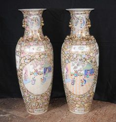 Satsuma Porcelain, JAPANESE PORCELAIN, large porcelain urns, japanese urns
