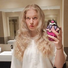 Check out our #skinnydipselfies from this week here on the blog... http://www.skinnydiplondon.com/blogs/news/18492473-skinnydipselfies-of-the-week @rhianwilkinson