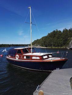 Nyt myynnissä Family cruiser Vaihto daycruiser tms. moottorivene Vaihto daycruiser tms. - Lohja, Uusimaa. Klikkaa tästä kuvat ja lisätiedot.