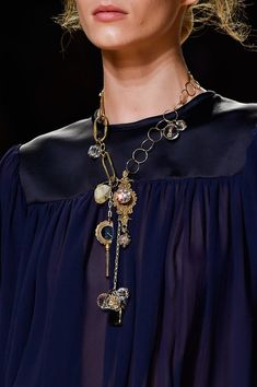Nina Ricci at Paris Spring 2015 (Details) -a little out there maybe if i personalize it. (Inspiration)