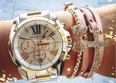 2016 MK Handbags Michael Kors Handbags, not only fashion but get it for Outlet Michael Kors, Michael Kors Watch, Mk Handbags, Handbags Michael Kors, Ring Armband, Jewelry Accessories, Fashion Accessories, Gold Jewelry, Jewellery