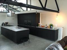 www.loomanskeukens.nl Wave Design, Corner Desk, Kitchen Island, Furniture, Home Decor, Corner Table, Island Kitchen, Decoration Home, Room Decor