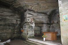 Grottes de l'Ermitage de la Madeleine. / Magdalena-Einsiedelei. #fribourgregion #duedingen #schieffenensee