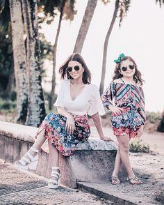 Minha duplinha linda Ana Sophia com looks #talmãetalfilha da nova coleção Mini Me  Primavera/Verão da @riachuelo  que teve suas cores e estampas inspiradas em Cuba!! Sophis e eu estamos encantadas com as peças da coleção e tem mais fotos LINDAS lá no Blog! Confere lá!  ph: @igoormelo #coloresdecuba #riachuelo
