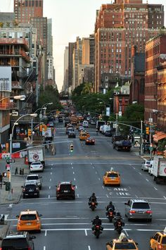 Welcome to New York. Explore the city New York Life, Nyc Life, City Aesthetic, Travel Aesthetic, Images Esthétiques, City Vibe, City Wallpaper, Dream City, Living In New York