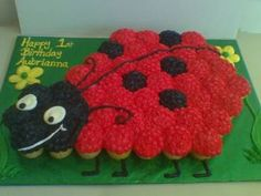 Ladybug Cake from Cupcakes :) Cute Cupcakes, Baking Cupcakes, Cupcake Cakes, Cup Cakes, Kitty Cupcakes, Snowman Cupcakes, Rose Cupcake, Giant Cupcakes, Baking Desserts