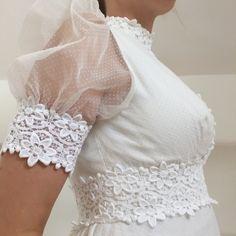 c80c7ef3e081 Vintage kjole fra 1970 erne med fine blonder
