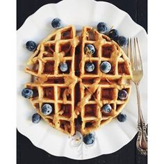 It's the weekend and I made this breakfast over on snapchat this morning: cottage cheese banana oat waffles with blueberries and a drizzle of peanut butter. Love love love!!!! 20g protein and gluten free. Snapchat username: ambitiouskitch